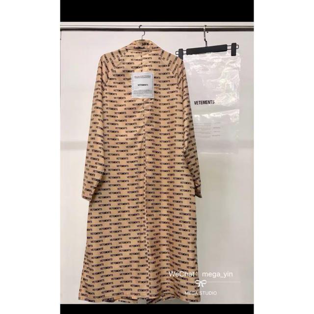 Balenciaga(バレンシアガ)の登坂着用 vetements raincoat メンズのジャケット/アウター(その他)の商品写真