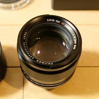 富士フイルム - 【極美品、純正プロテクタ付】FUJIFILM XF56mm F1.2 R APD