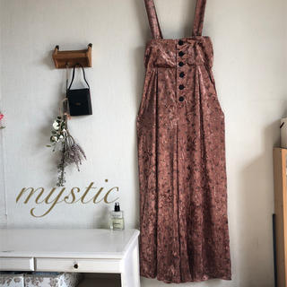 mystic - 新品🏷¥12960【omekashi】小花柄ベロアサロペット