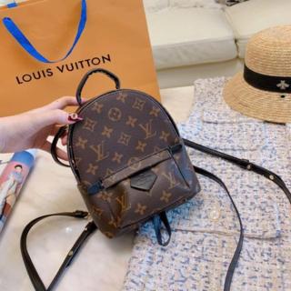 LOUIS VUITTON - 大人気 リュック海外購入品です。すべて実物の画像です。