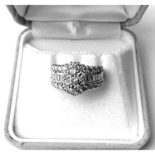 お値下げ!!《美品》2.00ct Pt900 ダイヤモンドリング(リング(指輪))