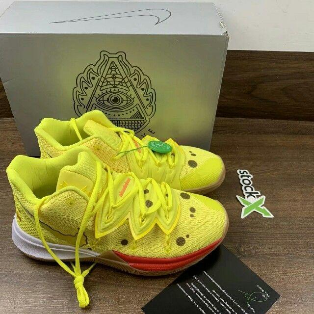 NIKE(ナイキ)のNIKE KYRIE SPONGEBOB COLLECTION メンズの靴/シューズ(スニーカー)の商品写真