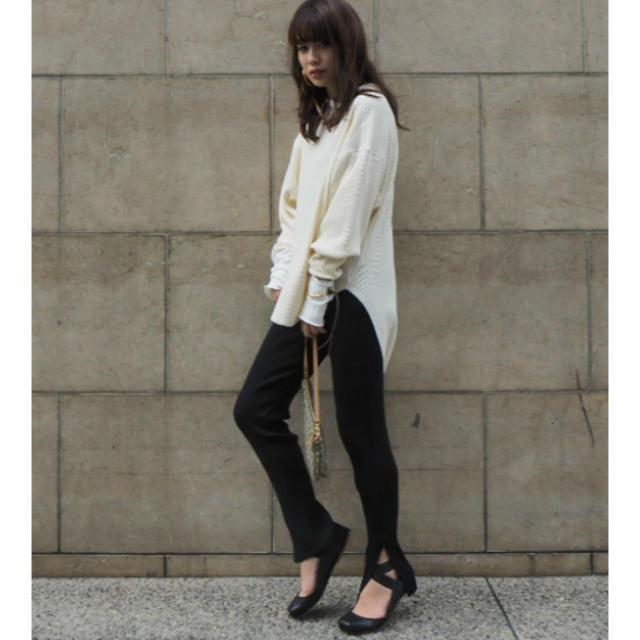 Ameri VINTAGE(アメリヴィンテージ)のエトレ ストラップ バレエ シューズ etre tokyo新品未使用品 レディースの靴/シューズ(バレエシューズ)の商品写真