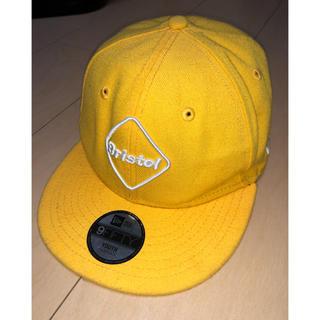 エフシーアールビー(F.C.R.B.)のFCRB ニューエラ キャップ イエロー(帽子)