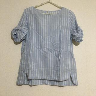 アーバンリサーチ(URBAN RESEARCH)のアーバンリサーチ 袖リボントップス(シャツ/ブラウス(半袖/袖なし))