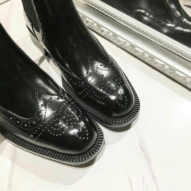 PRADA(プラダ)のPradaブーツ レディースの靴/シューズ(ブーツ)の商品写真