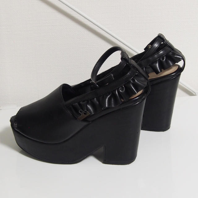 EATME(イートミー)のeatme フリルサンダル レディースの靴/シューズ(サンダル)の商品写真