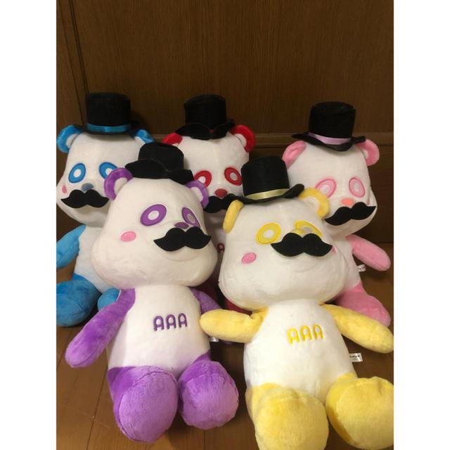 AAA(トリプルエー)のAAA おひげえーパンダ 赤ピンク黄色 エンタメ/ホビーのおもちゃ/ぬいぐるみ(ぬいぐるみ)の商品写真