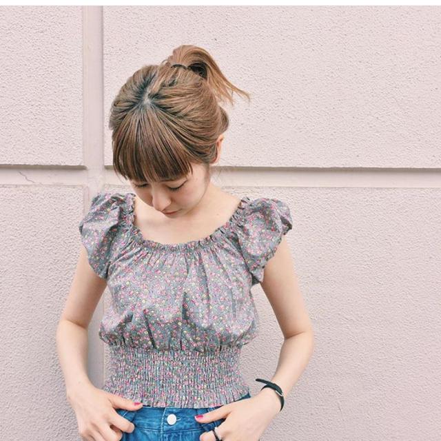 Kastane(カスタネ)のKastane ♡ 花柄 ♡ブラウス レディースのトップス(シャツ/ブラウス(半袖/袖なし))の商品写真