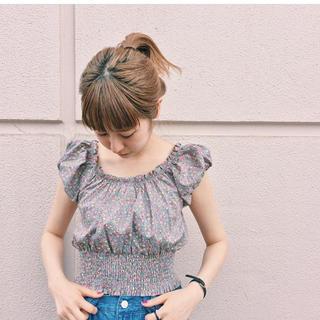 カスタネ(Kastane)のKastane ♡ 花柄 ♡ブラウス(シャツ/ブラウス(半袖/袖なし))