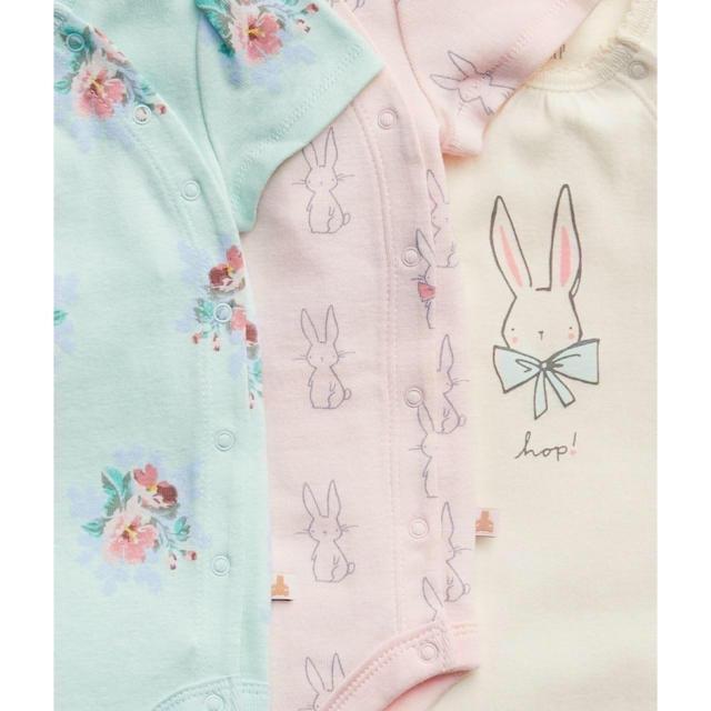 babyGAP(ベビーギャップ)のおまとめ3点『新品』babyGap 女の子用 前開き半袖ボディ3枚SET 80㎝ キッズ/ベビー/マタニティのベビー服(~85cm)(肌着/下着)の商品写真
