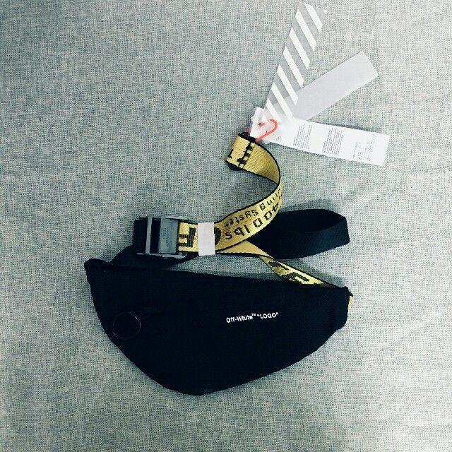 OFF-WHITE(オフホワイト)のoff-white オフホワイト ショルダーバック メンズのバッグ(ショルダーバッグ)の商品写真