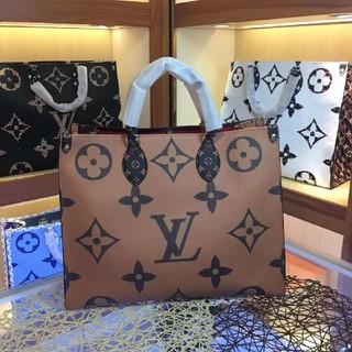 LOUIS VUITTON - 超人気 手提げ袋美品トートバッグ