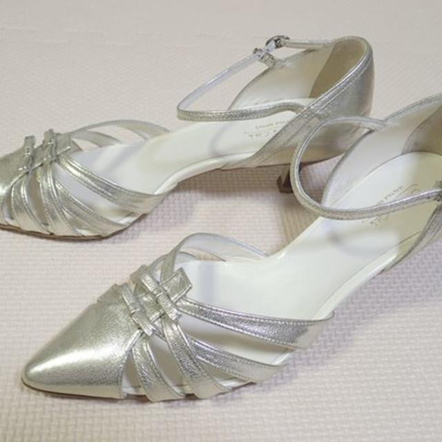 Odette e Odile(オデットエオディール)のOdette e Odile ポインテッドストラップサンダル シャンパンゴールド レディースの靴/シューズ(サンダル)の商品写真