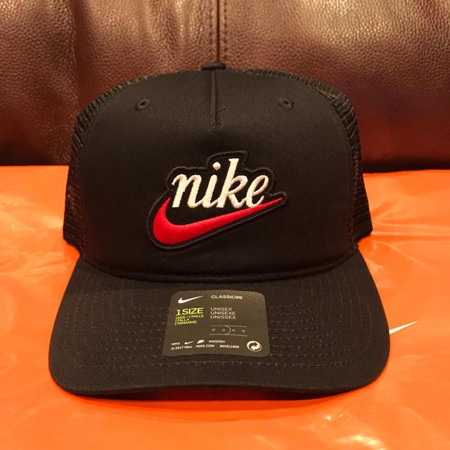 NIKE(ナイキ)の【期間限定SALE中】NIKE クラシック フォーム トラッカー キャップ 黒 メンズの帽子(キャップ)の商品写真