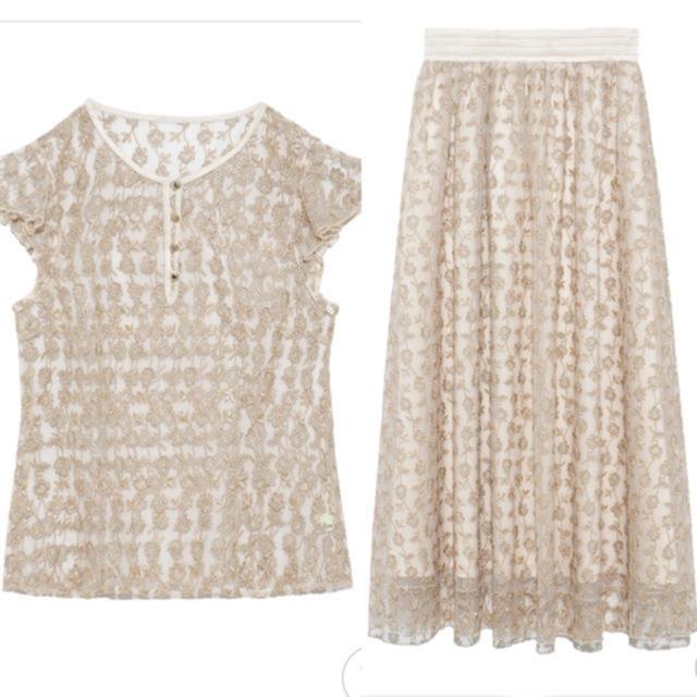 Lily Brown(リリーブラウン)の新作!Lily  Blown フラワー刺繍トップス&スカート レディースのレディース その他(セット/コーデ)の商品写真