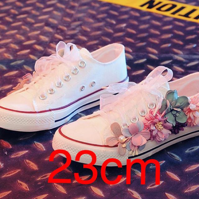 フラワースニーカー 23cm レディースの靴/シューズ(スニーカー)の商品写真