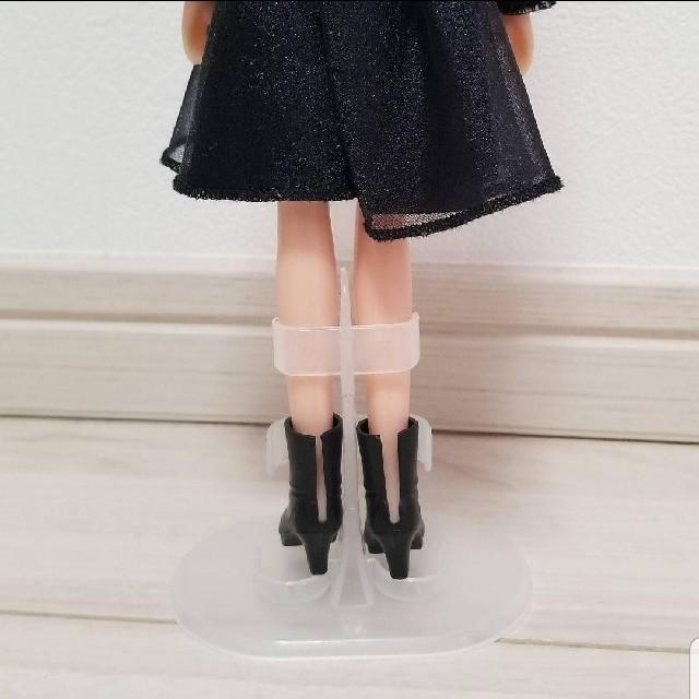 リカちゃん人形 スタンド 4つセット☆ キッズ/ベビー/マタニティのおもちゃ(ぬいぐるみ/人形)の商品写真