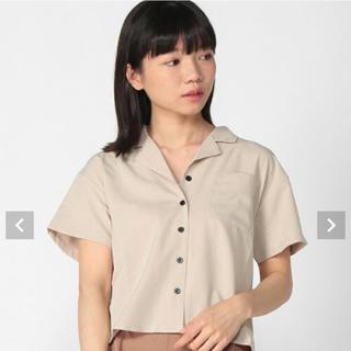ウィゴー(WEGO)の《WEGO》開襟クロップドシャツ ベージュ フリーサイズ(シャツ/ブラウス(半袖/袖なし))