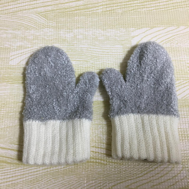 SHIPS(シップス)の11月末までセール!  SHIPS  ベビー手袋 キッズ/ベビー/マタニティのこども用ファッション小物(手袋)の商品写真