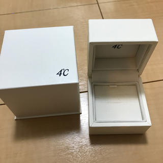 ヨンドシー(4℃)の4°Cアクセサリーケース空箱(ショップ袋)