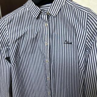 バーバリーブルーレーベル(BURBERRY BLUE LABEL)の新品同様 バーバリークレストブリッジ  ストライブ シャツ 38(シャツ/ブラウス(半袖/袖なし))