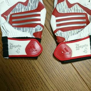 アディダス(adidas)のジャイアンツ 坂本勇人選手バッティンググローブ(グローブ)