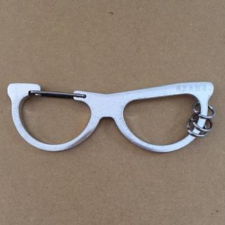ビームス(BEAMS)のビームス BEAMS メガネ型 キーホルダー シルバー カラビナ (キーホルダー)