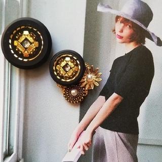アメリヴィンテージ(Ameri VINTAGE)のjade様専用!vintageボタンのアシンメトリーイヤリング☆ピアス(ピアス)