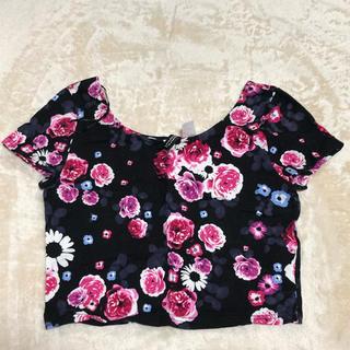 エイチアンドエム(H&M)のH&M 花柄 ショート丈Tシャツ Sサイズ エイチアンドエム (Tシャツ(半袖/袖なし))