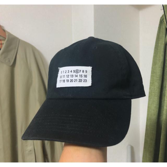 Maison Martin Margiela(マルタンマルジェラ)のカレンダータグ キャップ 韓国 メンズの帽子(キャップ)の商品写真