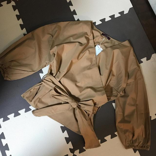 URBAN RESEARCH(アーバンリサーチ)の新品タグ付き アーバンリサーチ カシュクールシャツ レディースのトップス(シャツ/ブラウス(長袖/七分))の商品写真