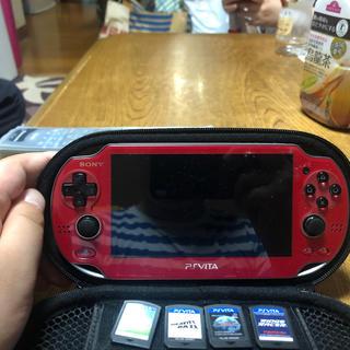 プレイステーションヴィータ(PlayStation Vita)のPSVITAとソフトとケースセット(携帯用ゲーム機本体)
