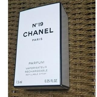 CHANEL - シャネル  N°19  香水 7.5ml
