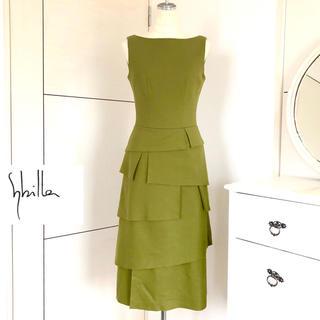 シビラ(Sybilla)の美品 シビラ 美ライン圧縮ウールのティアードワンピースドレス グリーン(ひざ丈ワンピース)