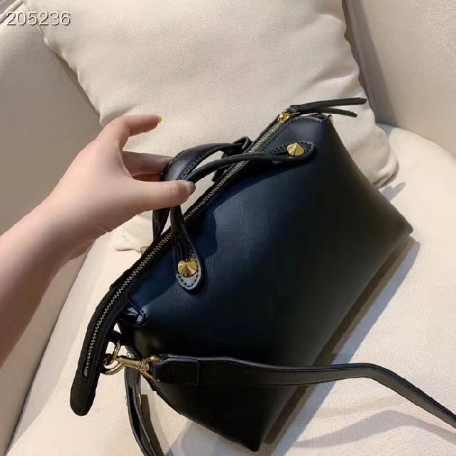 FENDI(フェンディ)の 新品 Fendi フェンディ ハンドバッグ ショルダーバッグ  レディースのバッグ(ショルダーバッグ)の商品写真