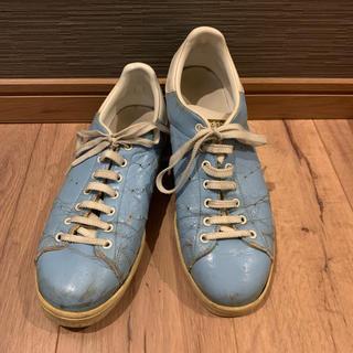 アディダス(adidas)のアディダス スニーカー 水色 エナメル スタンスミス(スニーカー)