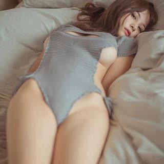 G セクシー胸 あきニットワンピース バックレス コスプレ はみ乳 お尻プリプリ(衣装一式)