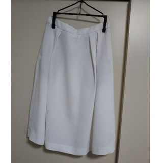 ユニクロ(UNIQLO)の【UNIQLO】ホワイトスカート(ひざ丈スカート)