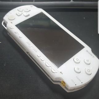 プレイステーションポータブル(PlayStation Portable)の本体のみPSP 1000 ホワイト 動作確認済み バッテリー込み(携帯用ゲーム機本体)