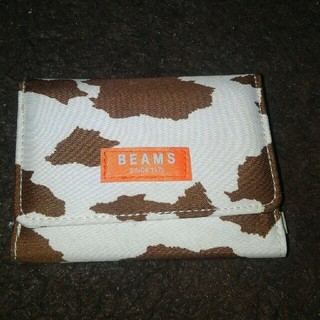 ビームス牛柄折り畳み財布