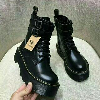 Dr.Martens - UK4 Dr. Martensドクターマーチン 厚底ブーツ 革靴 8ホール 新品