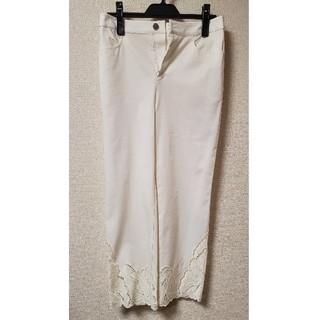 グレースコンチネンタル(GRACE CONTINENTAL)の白パンツ 新品(クロップドパンツ)