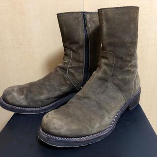イサムカタヤマバックラッシュ(ISAMUKATAYAMA BACKLASH)のバックラッシュ定価10万ジャパンカーフスエードサイドジップブーツKHAKI27(ブーツ)