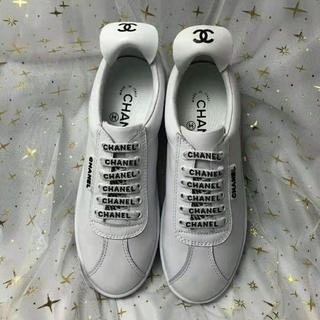シャネル(CHANEL)のシャネルスニーカー シャネルローヒール靴 ココマーク 白 (スニーカー)