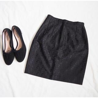 フェンディ(FENDI)の【フェンディ】美品 ズッカ柄 ミニスカート サテン 黒(ミニスカート)