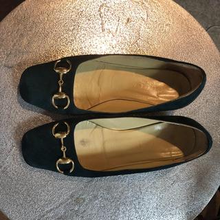 グッチ(Gucci)のGUCCI  ローファー  モスグリーン  バックスキン(ローファー/革靴)