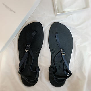 ヤエカ(YAECA)のBEAUTIFUL SHOES BAREFOOT サンダル black 23cm(サンダル)