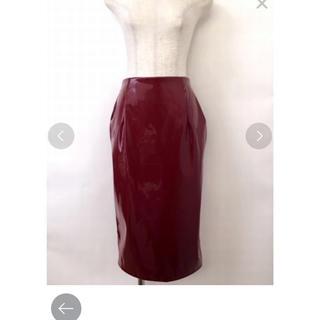 リルリリー(lilLilly)のエナメルタイトスカート(ひざ丈スカート)