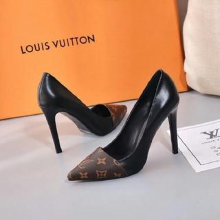 LOUIS VUITTON -  LV   グッチ パンプス
